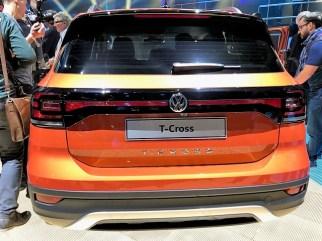 Ein schickes Design-Element des VW T-Cross ist das durchgehende Reflektorband am Heck. Foto: Klaus H. Frank
