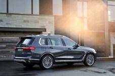 Den Stellenwert als größtes BMW X Modell unterstreicht der X7 mit einer Länge von 5,15 Metern, einer Breite von zwei Metern und einer Höhe von 1,80 Metern. © BMW