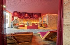 Hotel Dachsteinkönig mit Wellness-Relaxzone. Foto: Leading Family Hotel & Resort Dachsteinkönig