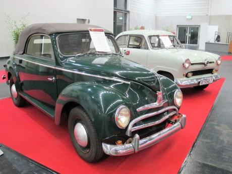 """Zwei Ford aus den 50er Jahren: Buckeltaunus Cabrio und 12 M """"Weltkugel"""""""