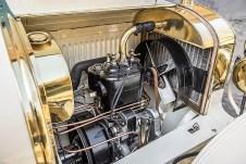 Alle wichtigen mechanischen Komponenten des fahrbereiten Einzelstücks sind Originalteile, der Motor trägt die authentische Seriennummer, mit der der Sportwagen 1908 die Werkshallen verließ. Foto: Auto-Medienportal.Net/Skoda
