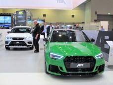 Hinter dem Audi RS3 feierte der CUPRA Ateca ABT in Essen Premiere.