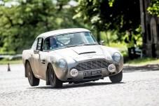 """Rally the ""Rally the Globe""-Gründungsmitglieder Alan und Tina Beardshaw mit ihrem Aston Martin DB5 von 1965. Foto: Auto-Medienportal.Net/Rally the Globe"