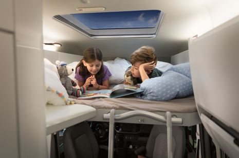 Das Kinderbett im VW Grand California. ©Volkswagen