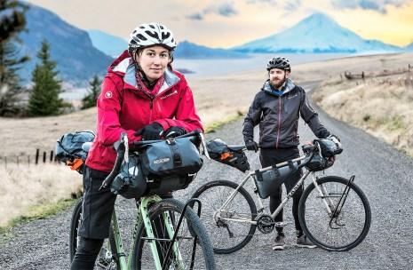 Gravel-Bikes eignen sich auch sehr gut für das so genannte Bikepacking, das Reisen mit wenig Gepäck. Foto: Auto-Medienportal.Net/Pressedienst Fahrrad