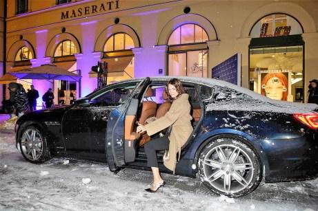 Prominenz fährt vor: Schauspielerin Jessica Schwarz gehört zu den geladenen Gästen. © Maserati