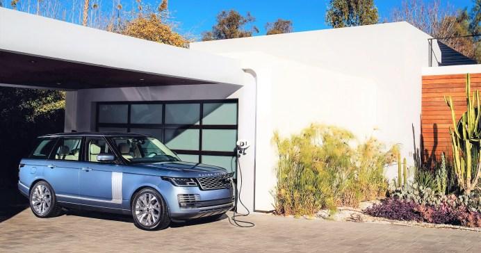 Range Rover Hybrid-Fahrer werden nicht nur vom Auto selbst und von der Steuerersparnis gelockt, sondern auch von dem guten Gefühl, ein Auto mit politisch korrektem Antrieb zu fahren. Foto: Auto-Medienportal.Net/Jaguar Land Rover