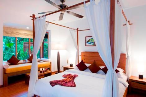 Beachvilla mit Jacuzzi. © Universal Resorts Maldives