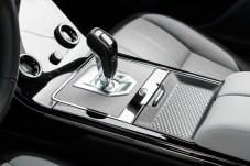 Handschaltung gibt es nur für den frontgetriebenen Basis-Evoque. Alle anderen Varianten sind mit Allradantrieb und 9-Gang-Automatik ausgestattet. © Range Rover