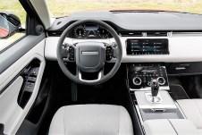 Die Integration von hochwertigen Materialien und Technik bei handwerklich guter Verarbeitung prägen den besonderen Charme der Marke, auch bei ihrem kleinsten Modell. Foto: Auto-Medienportal.Net/Jaguar Land Rover