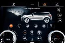 Das Zentrum des digitalen Evoque bildet Touch Pro Duo, das von Jaguar Land Rover entwickelte und mit schnellerer Software bestückte Infotainment-System. Foto: Auto-Medienportal.Net/Jaguar Land Rover