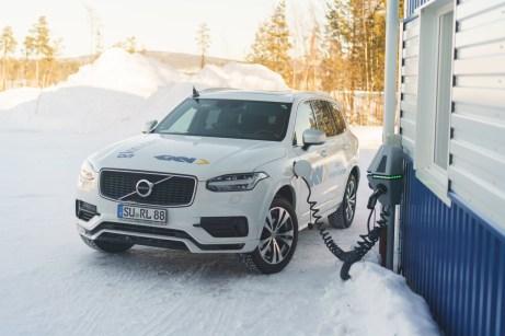 Volvo darf in Schweden natürlich nicht fehlen. Die Wintertests dienen als Gelegenheit zur Präsentation der serienreifen Technologien von GKN Automotive sowie als Möglichkeit zur Bewertung neuer Prototypen. © GKN