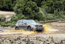 Der GLC rollt zum Marktstart Mitte des Jahres mit der nächste Vierzylinder-Motorengeneration und teilweise 48-Volt-Bordnetz vor. Foto: Auto-Medienportal.Net/Daimler