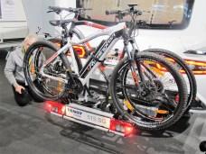 Zwei nicht zu schwere Fahrräder lassen sich sicher transportieren