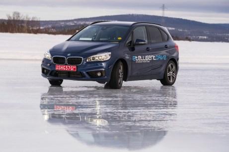 Auf Eis und Schnee erproben und verfeinern die Magna-Ingenieure ihre neuesten Entwicklungen. © Magna