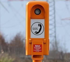 Von den Notrufsäulen entlang der Autobahnen gingen im vergangenen Jahr 52 463 Meldungen in der Hamburger Notrufzentrale ein. Foto: Auto-Medienportal.Net/GDV