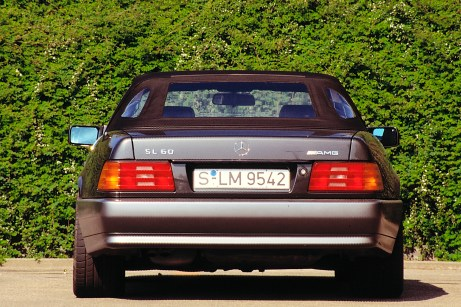 Mercedes-Benz SL 60 AMG der Baureihe R 129. Der Typ ist die erste AMG-Variante, die aus der direkten Zusammenarbeit von Mercedes-Benz und AMG hervorgeht. © Mercedes-Benz