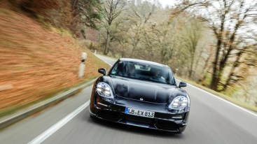 Der Porsche Taycan wird von 0 auf 100 km/h in deutlich weniger als 3,5 Sekunden beschleunigen. © Porsche