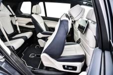 Üppig Platz in der zweiten Reihe, ausreichend in der dritten. © BMW