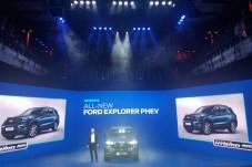 Große Bühne in Amsterdam: Zum Marktstart in Europa bietet Ford den neuen Explorer als 450 PS starkes Hybrid-Fahrzeug an. © Jutta Bernhard / mid