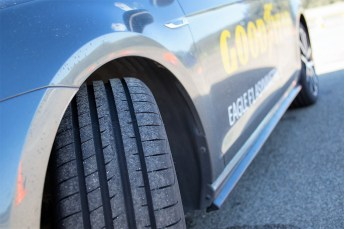 Der Reifen, der unter den sportlichen der F1-Serie am meisten Allroundtalent für den Sportwagen mitbringt, ist der Goodyear Eagle F1 Asymmetric 5, ein Ultra High Performance-Reifen (UHP). Foto: Auto-Medienportal.Net/Goodyear