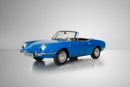 SEAT-celebrates-50th-anniversary-of-1430-and-850-Spider-at-the-Techno-Classica_06_HQ