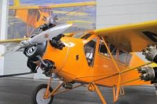 """Von New York nach Irland flog 1938 """"Wrong Way"""" Corrigan mit der Curtis Robin J-1."""