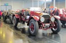 Riesen-Sportwagen auf der Basis von American La France Feuerwehrautos