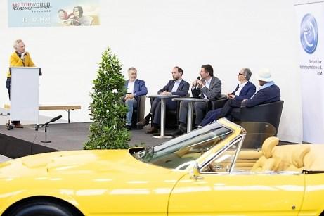 """""""Autopapst"""" Andreas Keßler leitete die Podiumsdiskussion beim VdM-Kongress"""