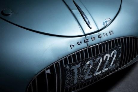 Der letzte Typ 64 ist angeblich das erste Fahrzeug überhaupt mit Porsche-Logo. © Staud Studios / Courtesy of RM Sotheby's
