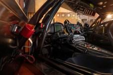 Im ergonomischen Cockpit wirken sich zahlreiche neue Details positiv auf die Performance des Fahrers aus. © Daimler