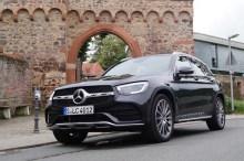 Sowohl bei den Benzinern als auch bei den Dieseln bietet Mercedes neue Motorengenerationen an. Besonders agil: der GLC 300d 4Matic mit Allrad und 245 PS. © Mirko Stepan / mid