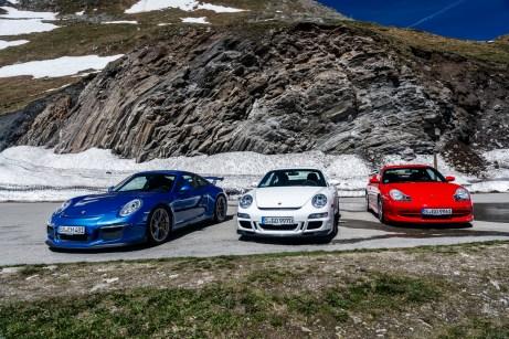 Das Beste aus 20 Jahren: Drei von sechs Generationen des GT3 bringen den Schnee zum Schmelzen. © Porsche