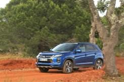 Die Bodenfreiheit von 190 mm ermöglicht auch Ausflüge abseits befestigter Straßen. © Mitsubishi