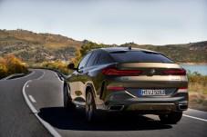 Fülliges Heck mit schlitzförmigen Rückleuchten: so zeigt sich der bayerische Landadel von hinten. © BMW