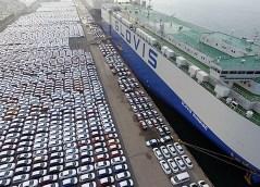 Einer der größten Parkplätze der Welt liegt in Bremerhaven. Foto: Auto-Medienportal.Net/Bremerport