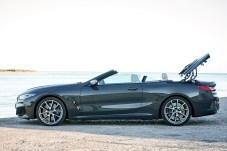 Nach 15 Sekunden ist der 850i oben ohne. © BMW