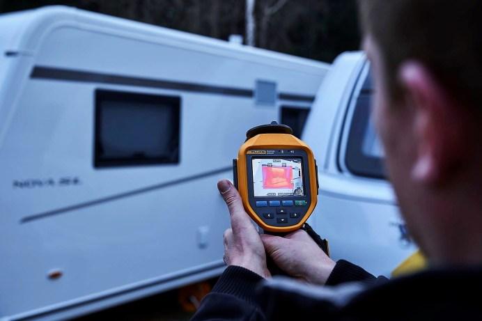 ADAC-Test Wintercaravans: Mit einer Wärmebildkamera wurde die Dämmung überprüft. Foto: Auto-Medienportal.Net/ADAC