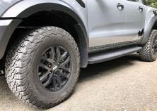 Die All-Terrain-Reifen im Format 285/70 R17 hat BF Goodrich eigens für den Ford Ranger Raptor entwickelt. © Klaus H. Frank
