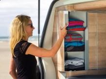 Das neue Türkonzept ermöglicht einen einfachen Zugang zu den Schränken. © VW Nutzfahrzeuge