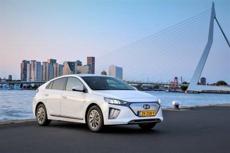 Das Wichtigste am Ioniq: Eine um 36 Prozent auf 38,3 kWh (vorher 28 kWh) stärkere Batterie. © Hyundai