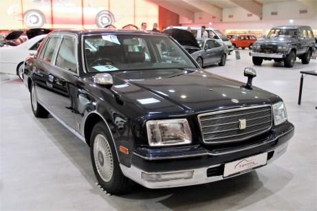Außenspiegel auf den Kotflügeln haben die Century-Modelle der dritten Generation nicht mehr.