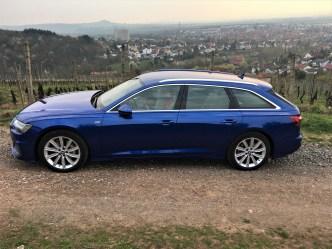 Der Audi A6 Avant wirkt in er jüngsten Generation schlanker und dynamischer, was vor allem der stärker abfallenden Dachlinie und dem schrägeren Heck, ähnlich einem Shooting Brake, geschuldet ist. © Klaus H. Frank