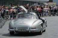 """Automobile Ikone: Ein Mercedes-Benz 300 SL """"Gullwing"""" (W 198, 1954 bis 1957) beim Jubiläum """"10 Jahre Mercedes-Benz Museum"""", 2016. © Daimler"""