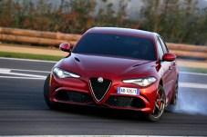 Ein Ausflug auf die Rennstrecke ist mit der potenten Italienerin kein Problem. © FCA