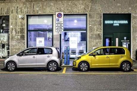 Äußerlich hat sich allerdings kaum was geändert. Auch der e-Up bekommt mit dem Facelift jetzt das neue VW-Logo. © Volkswagen
