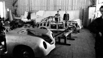 Ein Blick in die Porsche-Produktionshalle des 356 Coupé (1948) in Gmünd, Kärnten. © Porsche