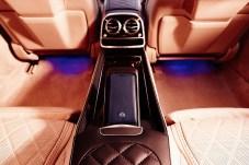 Aus Leder ist nicht nur das Interieur, sondern auch manches Etui aus der Accessoire-Sammlung. © Daimler