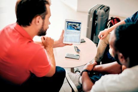 TUI Blue Hotels verfügen über eine eigene App, in der sich Gäste unter anderem für Sportkurse anmelden können. © TUI