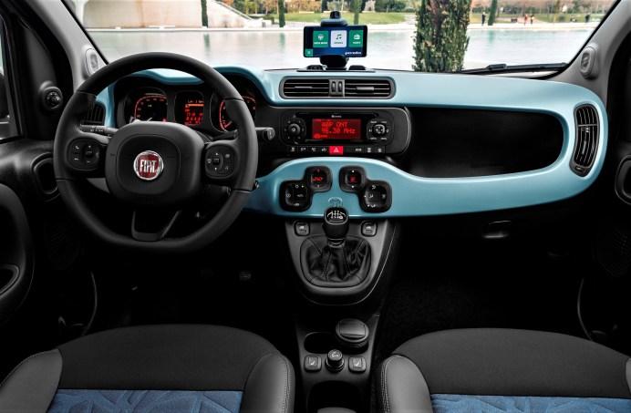 """Die """"Launch Edition"""" des neuen Fiat Panda Hybrid (ab 15.190 Euro) bietet Sitzbezüge aus dem besonders umweltfreundlichen """"Seaqual Yarn"""". © FCA"""